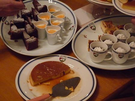デザートは食べ放題