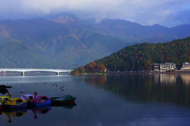 河口湖の朝(2) 朝日に輝いて! (#^.^#)