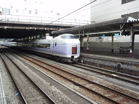 E351系(甲府駅)