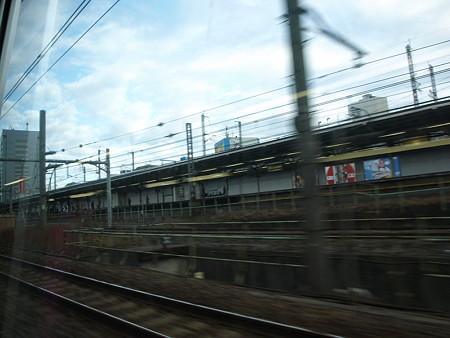 湘南新宿ライングリーン車1階の車窓(赤羽手前)