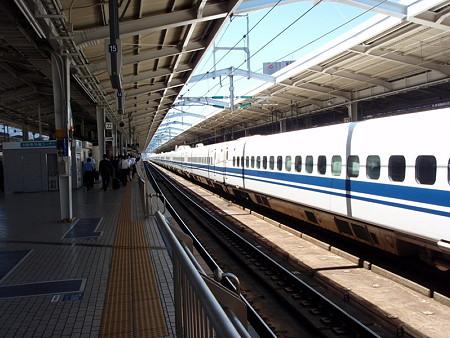 新大阪駅(新幹線ホーム)