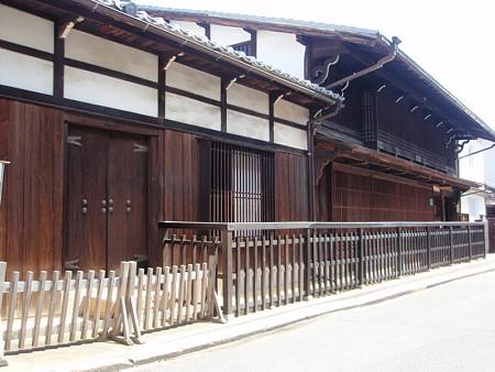 厳島神社近くの古民家