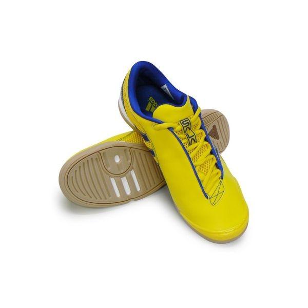 写真: adidas