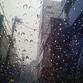 Photos: 街と傘と