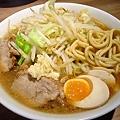 小ラーメン(麺少なめ)+ニンニク少なめ@モトミヤ?