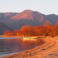 晩秋の湖の朝の光景^^