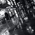 Photos: 雨街灯路