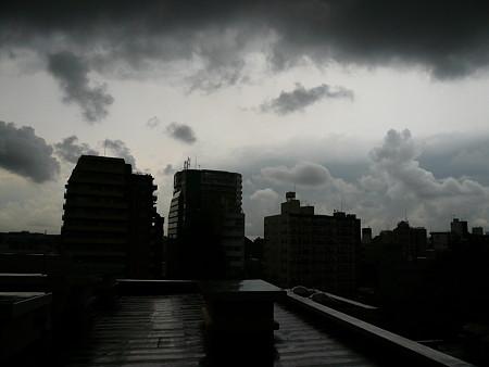 ある日の本郷の空