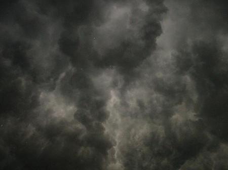 イメージ 雷雲の底