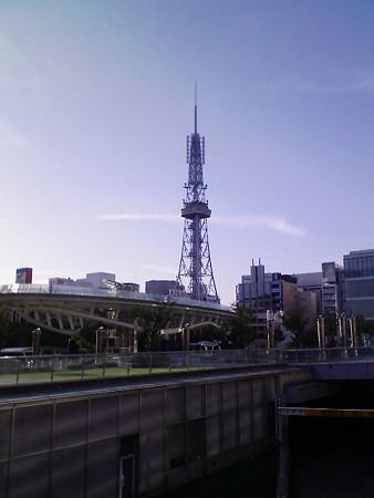 080831-テレビ塔とオアシス21