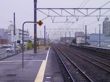 081026-弥富駅北踏切2