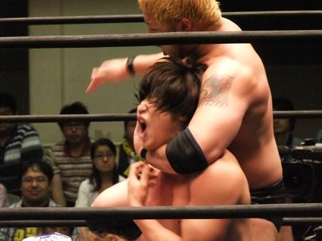 "DDT ""What are you doing 2012"" KO-D無差別級選手権試合 火野裕士vs飯伏幸太 (5)"
