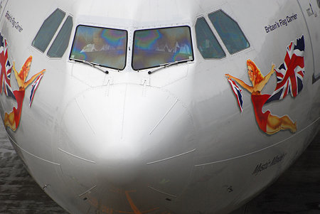 Virgin Atlantic A340-600 成田到着