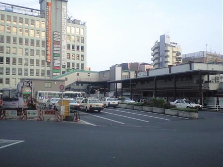調布駅 北口広場