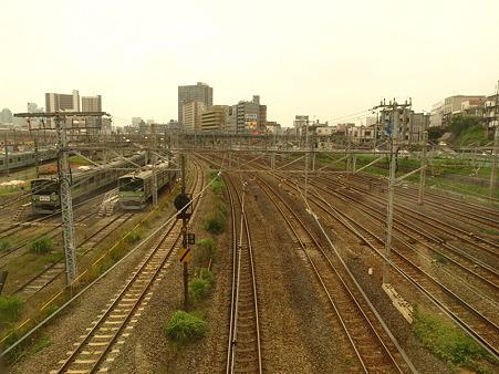 東神奈川の複複複々線区間