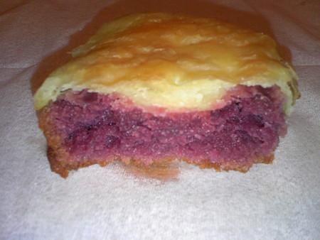 沖縄土産 紅いもケーキおもろ 断面