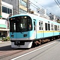 写真: 路面区間を走る京阪京津線800系