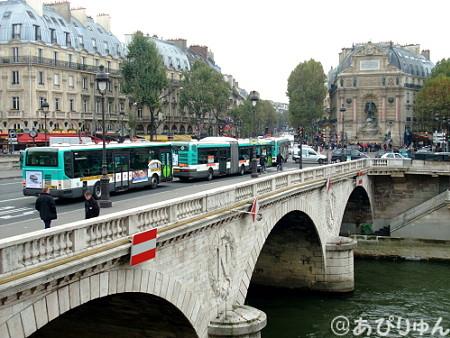 パリの川べり2