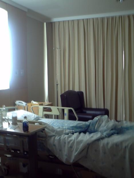 Photos: バンコク サミティベート病院 ミネラルウォーターも完備