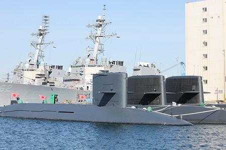 海上自衛隊潜水艦群とアーレイ・バーク級ミサイル駆逐艦 230109